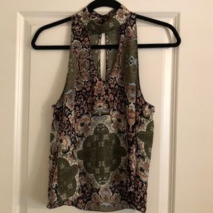 Olivaceous printed choker top